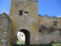 Castello d'Inici - Piccola torre fra il primo ed il secondo cortile  - Castellammare del golfo (1556 clic)