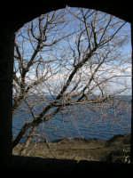 La riserva della Timpa,da una finestra.  - Acireale (2641 clic)