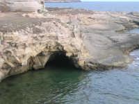 Una grotta nel mare di favignana  - Favignana (2326 clic)