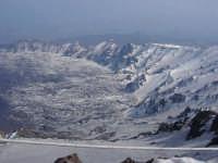 Etna - Foto suggestiva della Valle del Bove scattata da quota 2900 m  s.l.m.  - Etna (2203 clic)