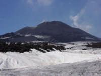 Etna - Cratere centrale scattata da quota 2500 m  s.l.m.  - Etna (2129 clic)
