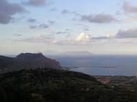 Vista di Tindari dalle colline sopra Falcone(ME) con sfondo delle Isole Eolie.   - Falcone (6219 clic)