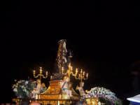 Processione del Venerdi Santo.La Madonna Addolorata,preceduta dal simulacro del Cristo morto.   - Paternò (2177 clic)