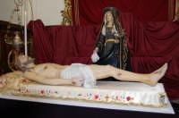 La Madonna Addolorata e il Cristo morto alla chiesa di S. Margherita.Sabato santo.  - Paternò (1427 clic)