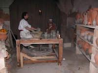 Presepe vivente 2005 il vasaio  - Caltagirone (3119 clic)