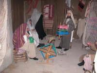 Presepe vivente 2005   la la tessitura della lana   - Caltagirone (1934 clic)