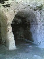 Grotte nel teatro greco  - Siracusa (1468 clic)