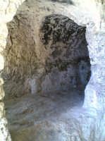 Grotte nel teatro greco  - Siracusa (1622 clic)
