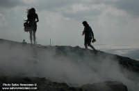 turisti sulla cima del vulcano  - Vulcano (3712 clic)