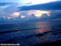 La vittoria del blu.<font color=#ffffff>tramonto mare sole estate sud nuvole cielo</font>  - Isola delle correnti (1741 clic)