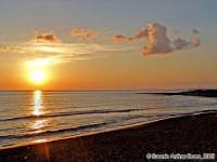 Semplicemente Tramonto. <font color=#ffffff>tramonto mare sole estate sud nuvole cielo</font>   - Isola delle correnti (9682 clic)