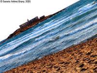 Tra me e... lei.<font color=#ffffff>spiaggia mare estate sud</font>  - Isola delle correnti (1476 clic)