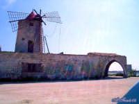 Trapani: Mulino a vento nelle saline.  - Trapani (3965 clic)