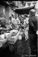 La Pescheria: venditore di pesce.  - Catania (8047 clic)