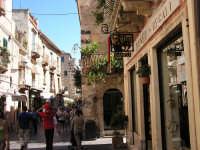 passeggiata nella via principale  - Taormina (4779 clic)