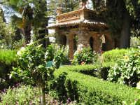 passeggiando nella  Villa  - Taormina (4708 clic)