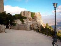 Vista verso il Castello di Erice  - Erice (2978 clic)