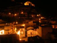 prospettiva di scicli di notte  - Scicli (5224 clic)