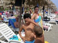tipica giornata al  Sun Beach  in primo piano Marco e Zeno .  - Patti marina (3548 clic)