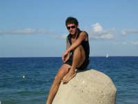 Valerio Segreto in posa da modello alla spiaggia Sun Beach .  - Patti marina (21448 clic)