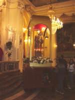 Il Simulacro di S. Giuseppe sosta nella chiesa Madre per la s. Messa solenne.  - Aci catena (4767 clic)