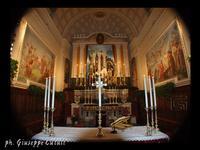 Presepe Presepe in Parrocchia sull'altare centrale  - San giovanni la punta (5450 clic)