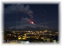 Eruzione Etna 09-02-2012 ...un'altra spettacolare eruzione del nostro vulcano...  - San giovanni la punta (2065 clic)