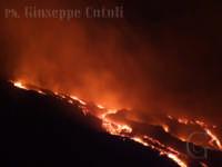 La colata lavica del 21/06/2008.  - Etna (2036 clic)