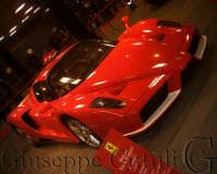 Ferrari Enzo all'interno dello showroom del centro fieristico le Ciminiere  - Catania (2036 clic)