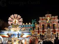 Carro allegorico Sacro e illuminazione artistica durante i festeggiamenti di San Giovanni a San Giovanni la Punta  - San giovanni la punta (7199 clic)