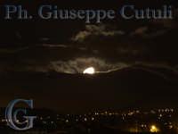 Luna tra le nuvole  - San giovanni la punta (2140 clic)