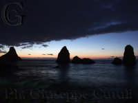 Faraglioni all'alba  - Aci trezza (1646 clic)
