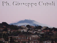 Acitrezza e sullo sfondo la meravigliosa Etna  - Aci trezza (1784 clic)