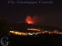 Eruzione vista da Trecastagni 03-12-2006 - Neve e Lava assieme  - Trecastagni (2584 clic)