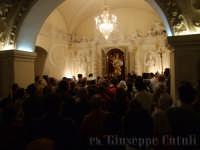 Il simulacro del Santo Patrono che si ritira nella sua Cammaredda dove dimora, dietro la devozione dei Fedeli.  - San giovanni la punta (2230 clic)