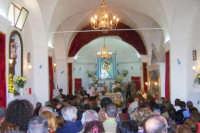 Monte Scalpello - Santa Messa in onore a Maria SS del Rosario festeggiata la prima domenica di ottobre di ogni anno, da notare i numerosi fedeli che rendono omaggio alla madonna e ai Venerabili Corpora Sancta  - Catenanuova (1873 clic)