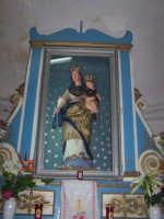 Monte Scalpello 05-10-2008 -  Simulacro ligneo di Maria SS del Rosario nella cameretta posta sull'altare maggiore del santuario  - Catenanuova (1803 clic)