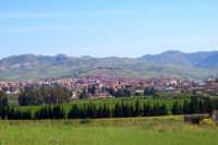 Panorama di Catenanuova visto dai piedi del Monte Scalpello (autore, Luigi Proietto - fonte, Fiorenza Nicolò)  - Catenanuova (4963 clic)