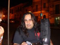 dubito fortemente  che non lo conoscete........  giusto per la cronaca   il re dei bassisti  ****** DINO  FIORENZA ******  - Licodia eubea (3221 clic)