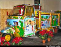 Foto scattata nella strada dove vi è la bottega di uno degli ultimi realizzatori dei Carretti Siciliani  - Palermo (3408 clic)
