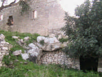 antica abitazione situata sul colle S.Matteo SCICLI adriano aprile