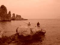 due pescatori in un deserto di mare  - Scopello (3380 clic)
