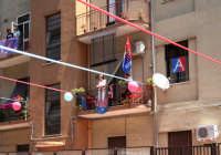 Festeggiamenti per la promozione del Catania in serie A. Balconi addobbati.  - Catania (2503 clic)