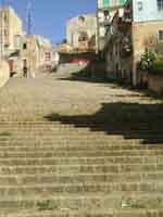 La scalinata che da Via Dante porta al Duomo Vecchio  - Naro (2873 clic)