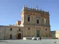 Chiesa di Sant'Agostino con Convento annesso in Piazza Padre Favara  - Naro (4289 clic)