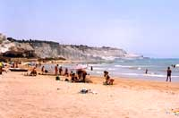 Spiaggia di Realmonte presso Capo Rossello - LA SCALA DEI TURCHI  - Realmonte (12587 clic)