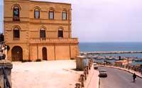 Palazzo Fazzello ex albergo fazzello sito in piazza mariano rossi  - Sciacca (7760 clic)