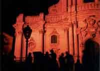 scorcio di San Giorgio ripreso  durante il centenario di Salvatore  Quasimodo  - Modica (2436 clic)