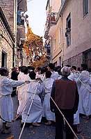 Festa del Crocifisso a Mazzarino, meglio conosciuta come Festa del Signore dell'Olmo. Si celebra la prima domenica di maggio di ogni anno da oltre 5 secoli.  - Mazzarino (8933 clic)