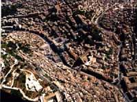 Panorama aereo di Modica - Corso Umberto I sulla sinistra e Via Marchesa Tedeschi sulla destra MODIC